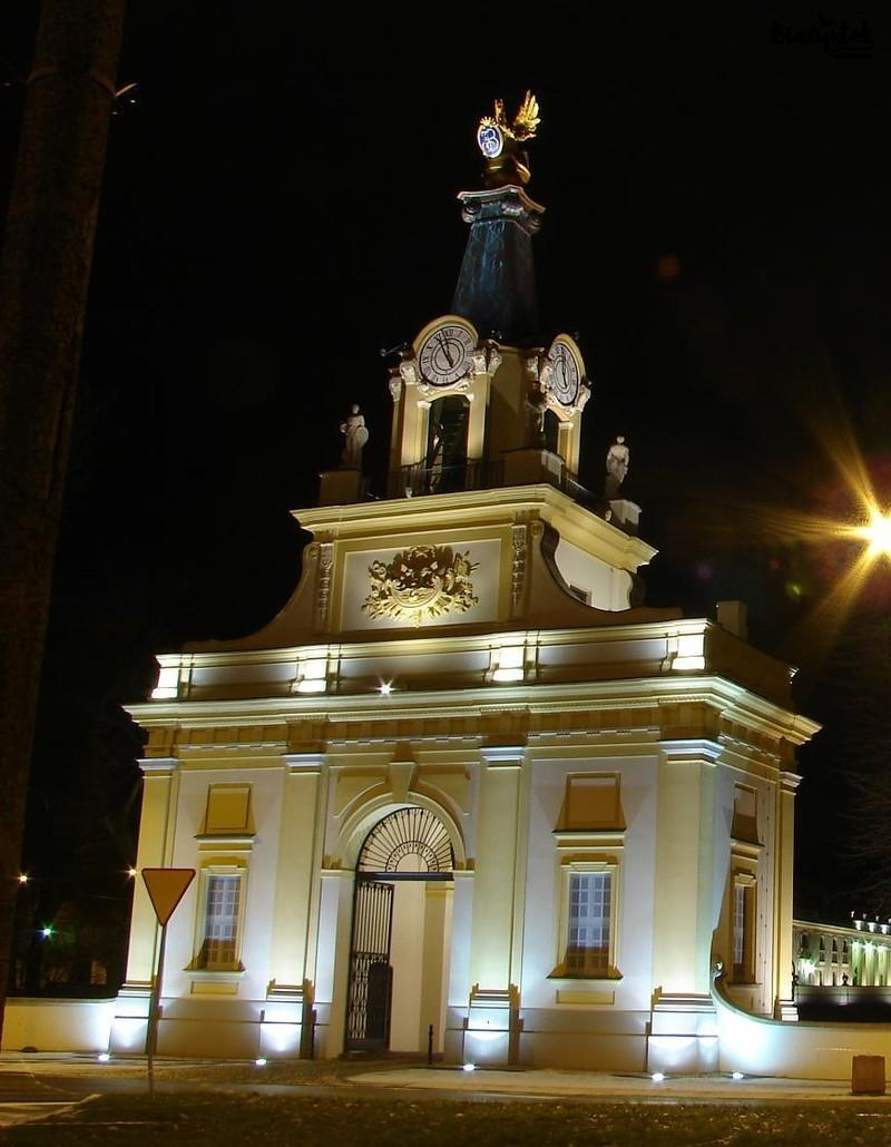 Bialystok-subiektywnie-blog-o-podlasiu-zegar pałacu branickich (2)